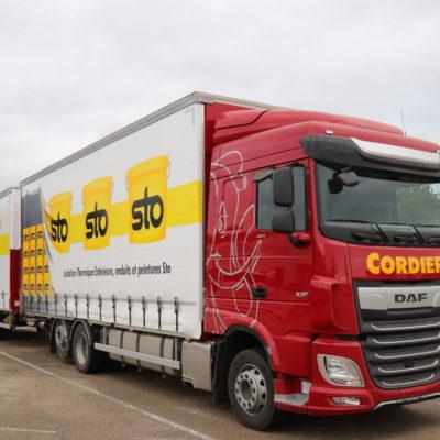 Vidéo – Un nouveau camion-remorque aux couleurs de notre client STO/Innolation
